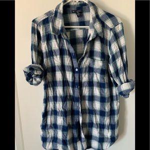 Gap flannel button up